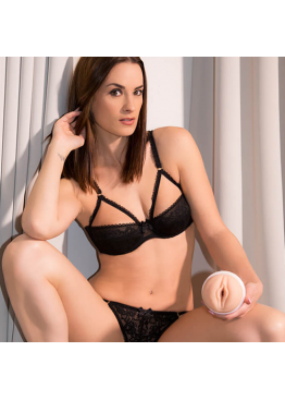Мастурбатор Fleshlight DORCEL GIRLS Claire Castel